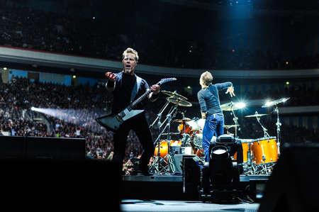 24. April 2010 - Moskau, Russland - amerikanische Rockband Metallica live beim Olimpiysky Stadion. Standard-Bild - 24838766