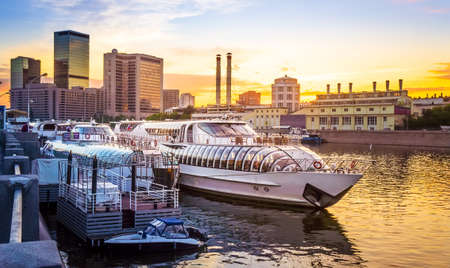 moskva river: Beautiful evening view of boats on Moskva river in Moscow, Russia