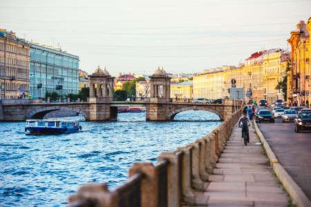 Staro-Kalinkin Brücke am Fontanka in Sankt Petersburg, Russland. Getönt Lizenzfreie Bilder