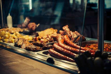 부다페스트, 헝가리에서 판매에 거리 음식의 전망. 스톡 콘텐츠