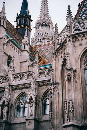 부다페스트, 헝가리에서 세인트 마 티아 스 교회의 세부 사항.