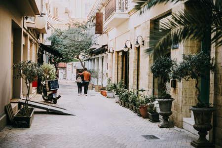 ニコシア、キプロスの通りの 1 つの眺め。トーンのイメージ