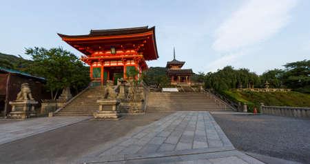 dera: Kyoto, Japan - June 20, 2010  Entrance to the famous Kiyo-mizu dera temple on  June 20, 2010 in Kyoto, Japan