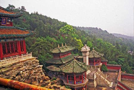 夏宮殿、北京、中国、様式化された、油絵のようにフィルター処理の長寿ヒルで装飾、美しい建物