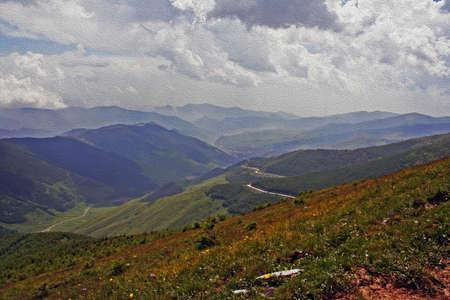美しい山の風景。ウータイ シャン、中国様式し、油絵のようにフィルタ リング 写真素材
