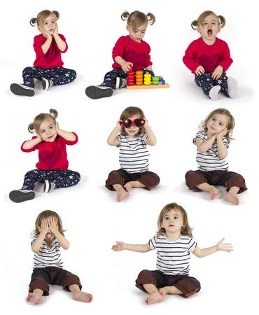 jardin de infantes: Conjunto de niña sentada y haciendo gestos en ocho posiciones aisladas sobre fondo blanco Foto de archivo
