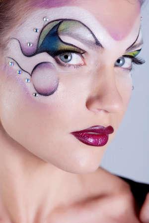 body paint: Chica con la cara pintada