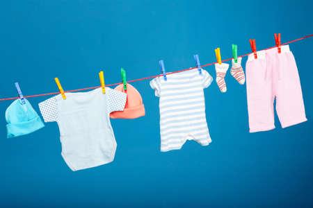 Baby laundry hanging onthe rope Stockfoto