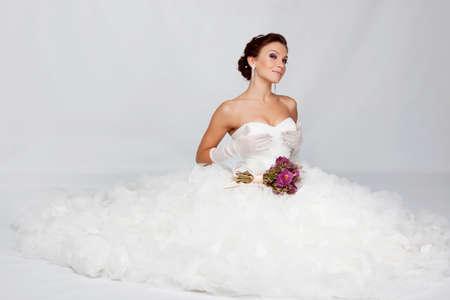 Mooie brunette bruid portret in de studio Stockfoto