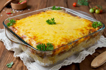 baked meat: Casserole with pasta and minced meat under a cheese crust