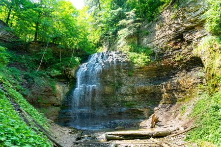 Tiffany falls in Hamilton, Ontario during the summer time beautiful green leaves Banco de Imagens