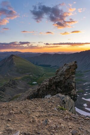 Sunrise from a cliff on Gray's peak, Colorado fourteener Banco de Imagens