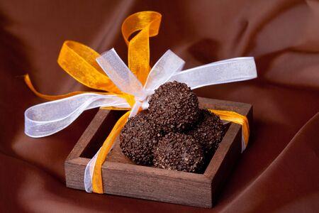 praline: Heerlijk donkere chocolade pralines