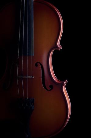 violines: Viol�n sobre fondo negro