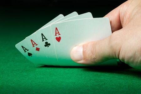 holdem: four aces