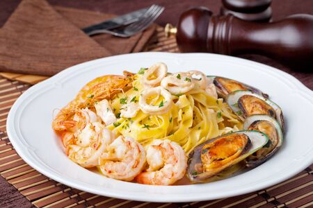 fettuccine: fettuccine  with Shrimp and mussel