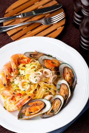fettuccine  with Shrimp and mussel photo
