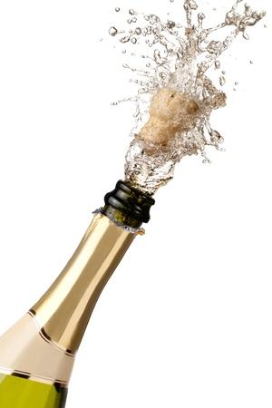 Flasche Champagner knallen ihre Kork und Spritzwasser