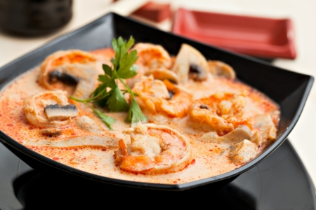 yum: Tom Yum soup with shrimp in coconut milk