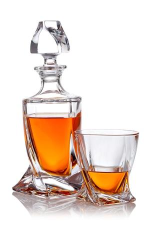 scotch: Glas scotch whisky met clipping path