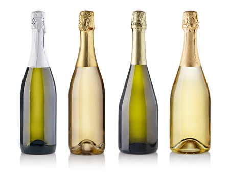 botella champagne: Conjunto de botellas de champán. aislado en fondo blanco
