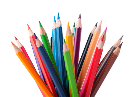 Kleur potloden geïsoleerd op witte achtergrond