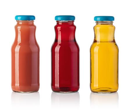 Botella de jugo aislado sobre fondo blanco.