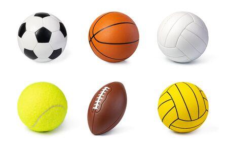 Juego de balones deportivos aislado en blanco