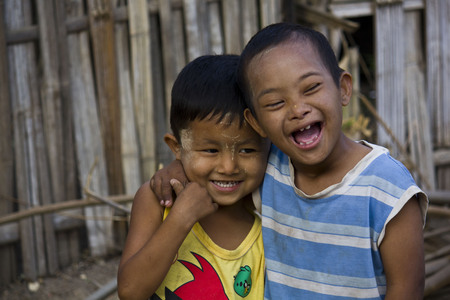 i t: In a little Myanmar village, near Mandalay, two children plays together  One of them has the down syndrome  I don t see any difference   It s not diversity, it s friendship