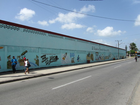 Humoristas against war, Santa Clara, Cuba.On the 40th anniversary of the Cuban humorist publication Melaito a handful of the most acknowledged Cuban satirists, gathered in Santa Clara to declare War on war with a big public Mural. The mural is a protest a