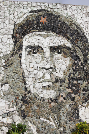 che guevara: Che Guevara stone mosai in Matanzas. While in Matanzas (Cuba), I came across this impressive mural. It features the face of Che made entirely out of a mosaic of rocks. Editorial