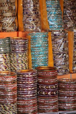 Indian Bunten Armbänder. Typische Indian Handgefertigte Armbänder ...