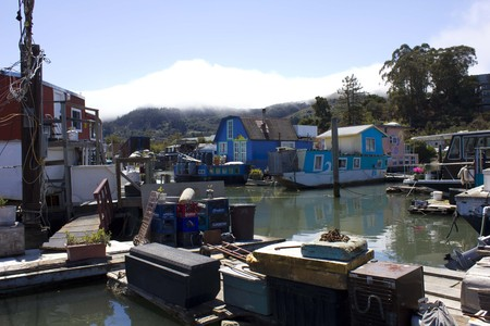 san francisco bay: SAN FRANCISCO, USA - AUG 11 2013: Sausalito houseboats, in the San Francisco Bay Area, picturesque residential community