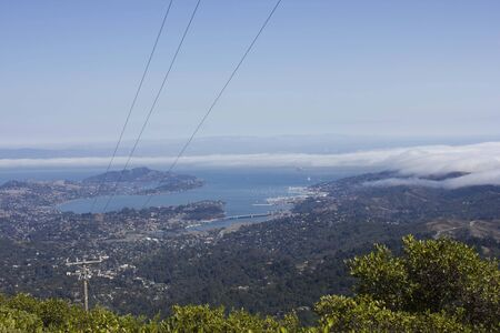 san francisco bay:   Panoramic view of Pacific Ocean and San Francisco Bay area fom the top of the hill