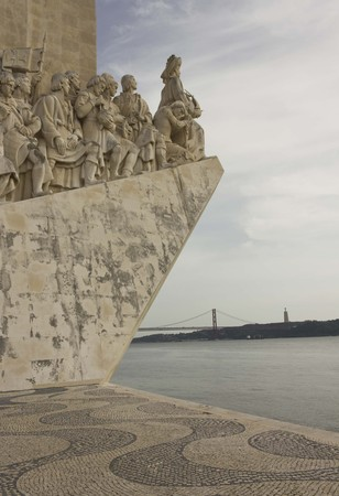 conqueror: Monument of the Discoveries in Lisbon, facing the Tagus river and the 25th of April bridge, with nobody around Editorial