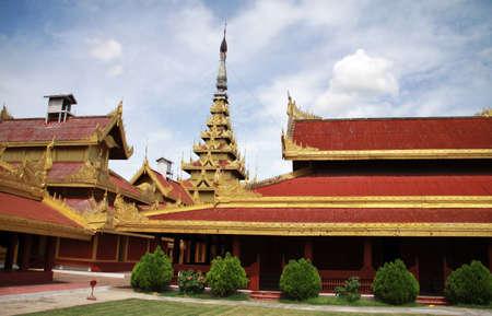 マンダレー、ミャンマーの王宮中庭