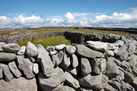 inisheer: Tpical old stones drywall in Inisheer, Aran Islands, Galway county, Ireland