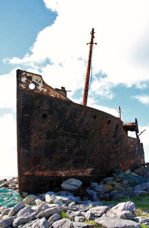 inisheer: Old Shipwreck boat in Inisheer, Aran Islands, Galway county, Ireland