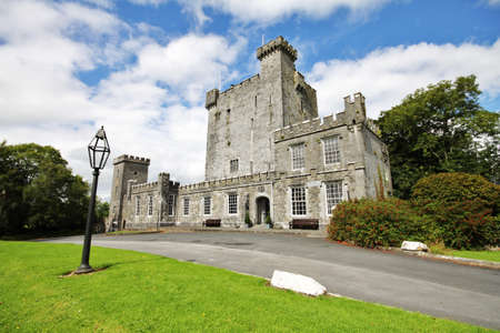 accomodation: Knappogue Castle, luxury accomodation in Irish country Editorial