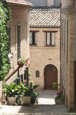 Small road in Recanati downtown, Poet Leopardis hometown, Marche, Italy Imagens