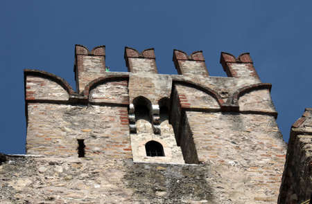 Tower of Sirmione Castle, Garda Lake, Italy Imagens - 104402476
