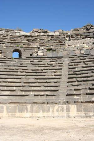 Theatre ruins of ancient roman city of Umm Quais, Jordan, Middle east Imagens - 122145859