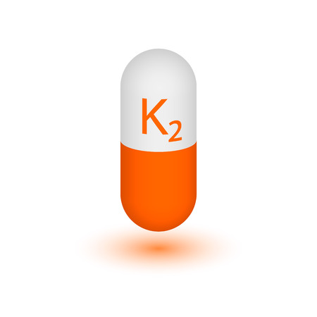 VITAMIN K2 Active ingredient - Pharnoquinone. Two-tone capsule on a white background. Design element. Vector graphics. Vettoriali