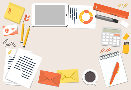 sacapuntas: Ilustración de escritorio de oficina y papelería en estilo llano, vista desde arriba con copyspace Vectores