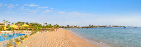 Beautiful Sand Beach in an Egyptian hotel. Panorama. Standard-Bild