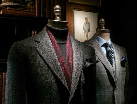 caballeros: Dos maniqu� de un sastre Foto de archivo