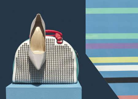 여성 가방과 신발 디스플레이에 스톡 콘텐츠