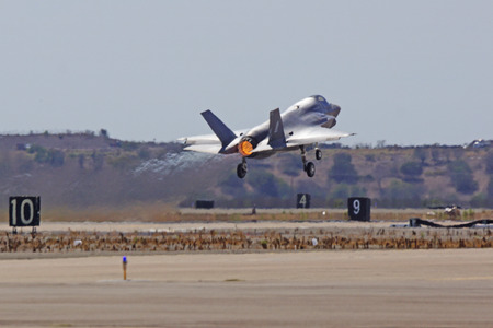 f 18: F-35 Lightning Jet Fighter take off at 2014 Miramar Air show
