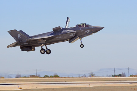 F-35 Lightning Airplane landing at 2014 Miramar Air Show
