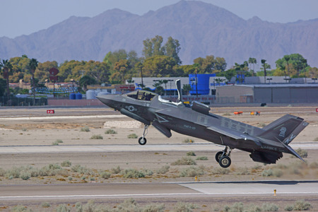 takeoff: F-35 Lightning  Jet Take-off at 2015 Yuma Air Show